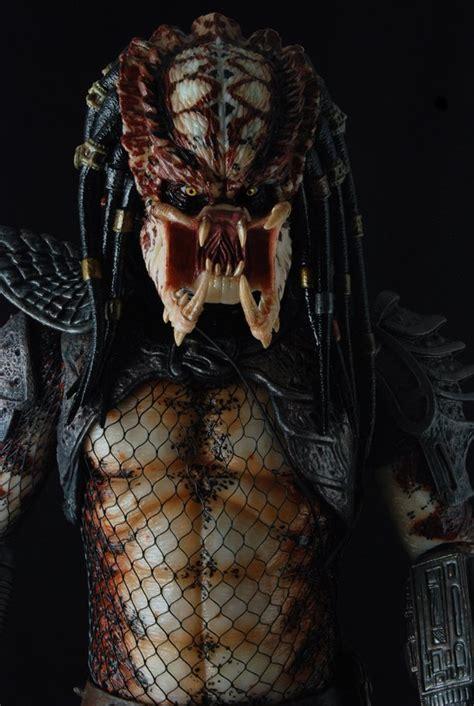 14 Scale Predators Series 2 Guardian & Unmasked City