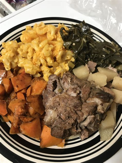 Our easy christmas dinner menus will help you plan a delicious christmas dinner. Soul Food Christmas Menu Ideas : Soul Food History And Definition : Get into the spirit with ...