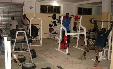 salle de bodybuilding dakar submergee par le culturisme ou bodybuilding seneplus