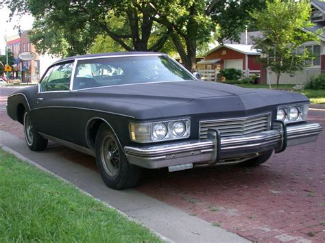 '73 Buick Riviera (boat-tail) 00