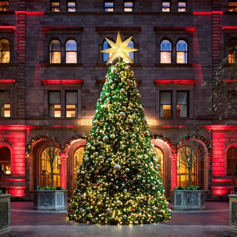 when do the christmas decorations come down in new york