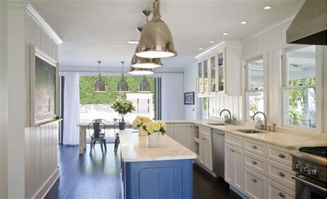 A redesigned historic house in East Hampton with a modern