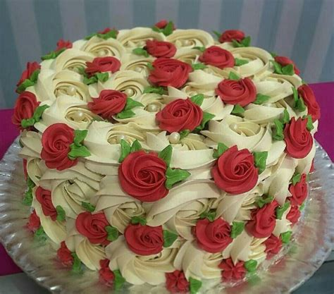 beautiful decorated cakes a beautiful cake it reminds me of one of my birthday cakes i had as a child i loved the rose