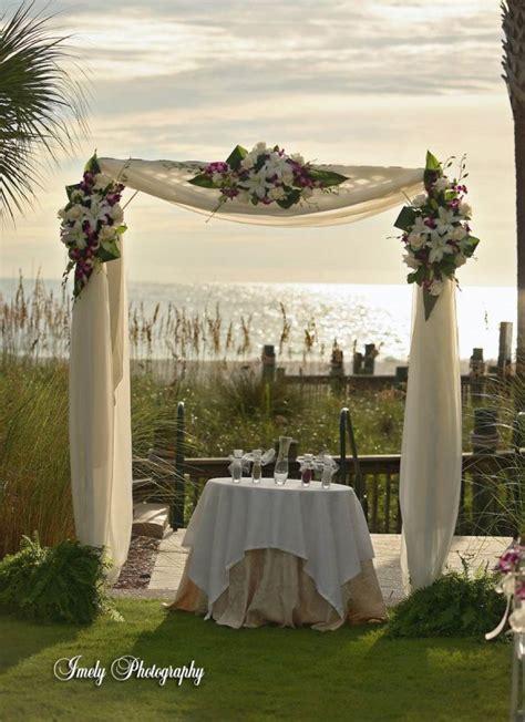 arch wedding centros on mesas bodas and wedding arches