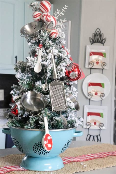kitchen christmas tree  fabbed