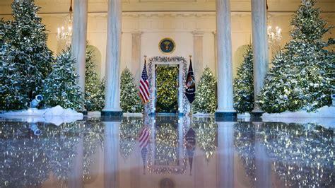 white house  halls  decked  christmas