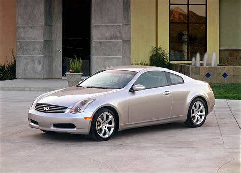 infiniti  coupe picture  car review  top