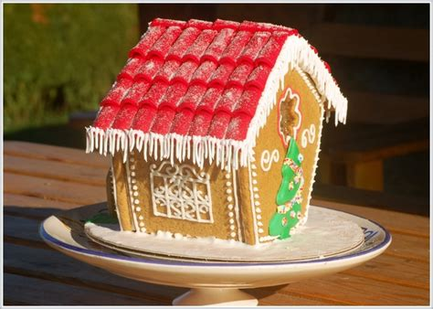 gingerbread house roof ideas how to make a christmas gingerbread house step by step tutorial