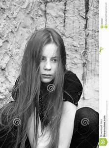 Fille Noir Et Blanc : une fille de d sespoir noir et blanc photographie stock ~ Melissatoandfro.com Idées de Décoration
