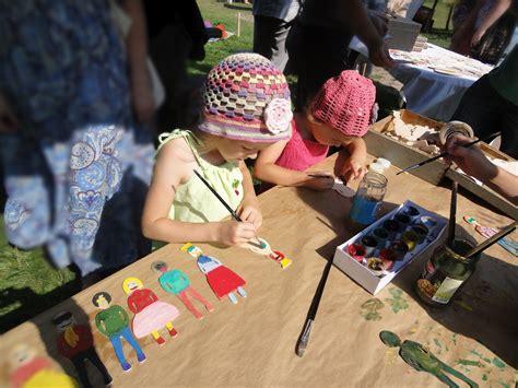 Spaariite: Rokdarbi bērniem