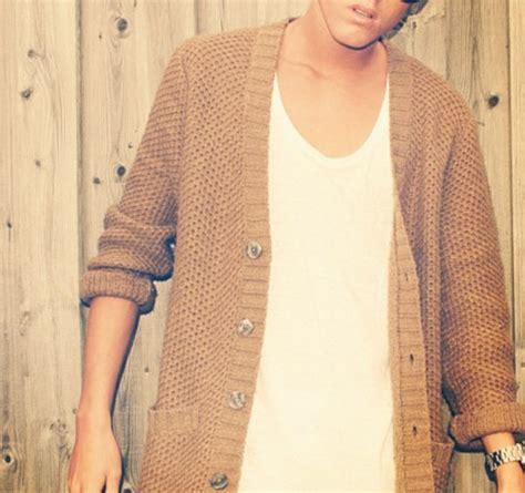 Sweater beige cardigan menswear menu0026#39;s knit summer fashion guy tumblr blogger - Wheretoget