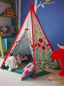 Zelt Der Indianer : niedliches tipi indianer zelt im spielraum ihrer kinder von moozle ~ Watch28wear.com Haus und Dekorationen