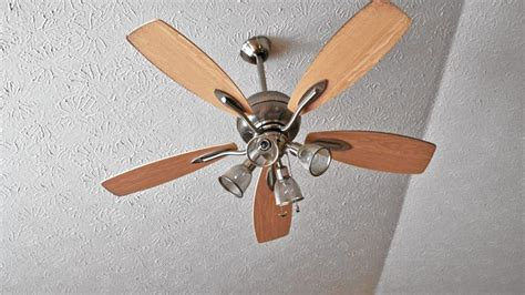 living smart fixing a wobbly ceiling fan