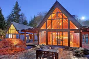 mountainside house plans cabin chic mountain home of glass and wood modern house designs