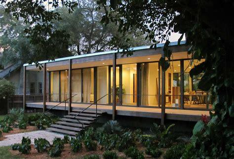 tropical refuge  downtown miami  brillhart architecture homedezen