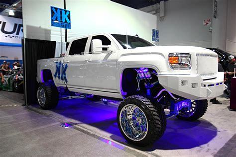 top  lifted trucks  sema