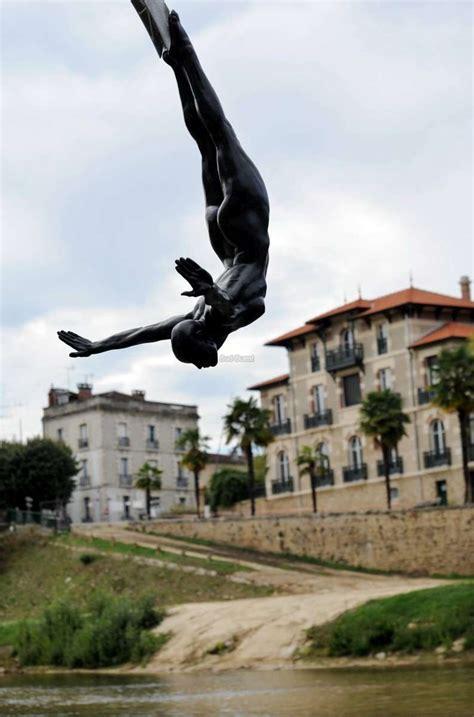 mont de marsan sculptures mont de marsan sculptures voulez vous garder quot la plongeuse quot sud ouest fr