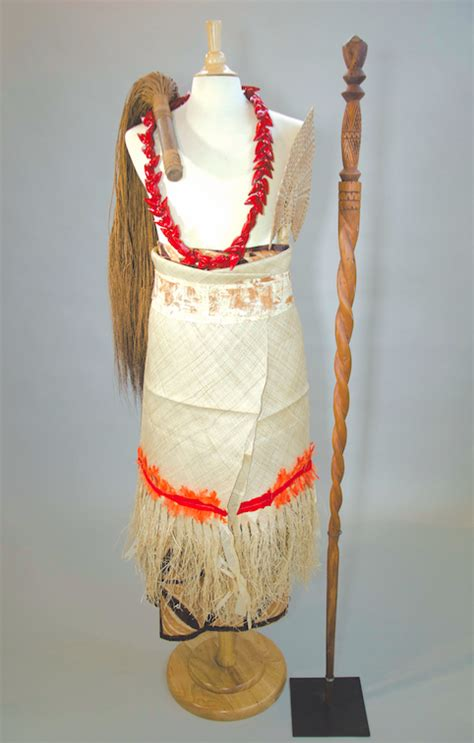 signal hill resident loans samoan artifacts