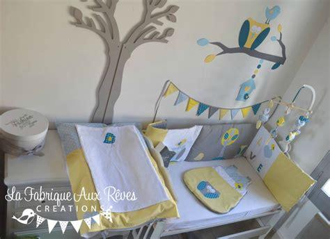 chambre complete pour bebe garcon décoration chambre bébé chouette hibou arbre oiseau
