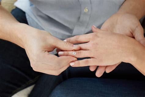 designing   lab created diamond engagement ring