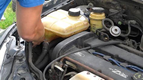 l verwisselen ford ka ford focus coolant reservoir removal timing belt clip 2
