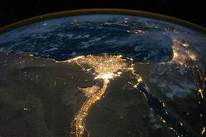 Mythbuster: Egyptian protests are not visible from space ...