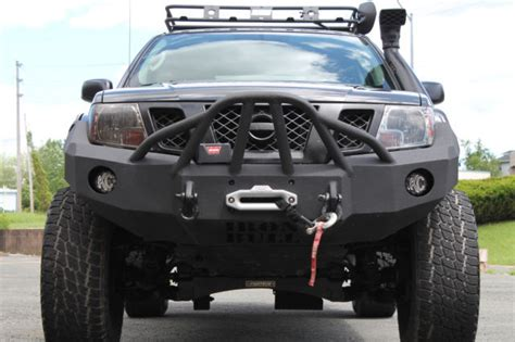kind  nissan frontier pro  crew cab lifted