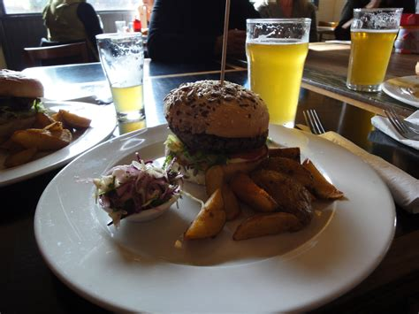 pub cuisine a free pub food crawl melbourne