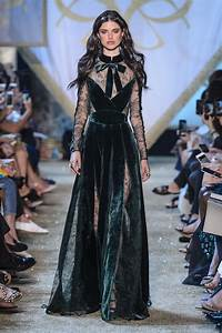 elie saab at couture fall 2017 livingly With robe d automne 2017