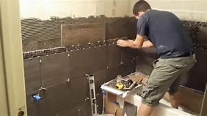 Comment carreler les murs d39une salle de bains for Carreler une salle de bain