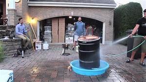 Fabriquer Un Barbecue Avec Un Bidon : implosion d 39 un baril de m tal youtube ~ Dallasstarsshop.com Idées de Décoration