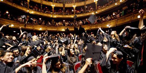 3 bureau des diplomes le lancer de chapeau sport à trop haut risque pour les