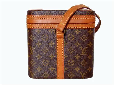 louis vuitton monogram canvas train case travel bag vanity