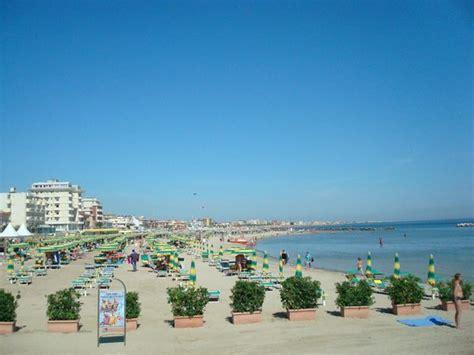 La Spiaggia E Le Sue Insenature  Foto Di Rivabella