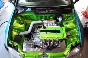 Not A Fan Of Hondas But That Green Engine Bay