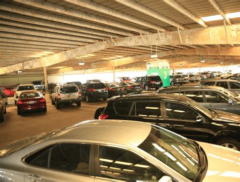hobby airport new parking garage spot wide parking houstonunited states