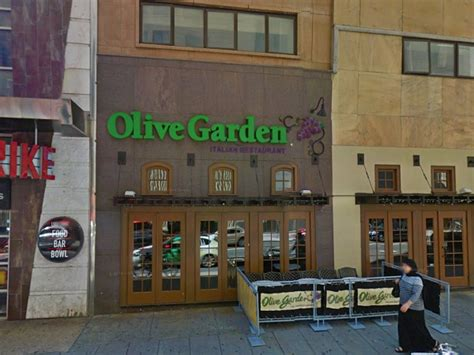 olive garden city olive garden in center city closes philly