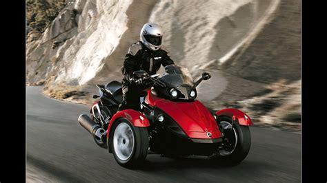 Motorrad Mit Drei R 228 Dern Der Brp Can Am Spyder Roadster