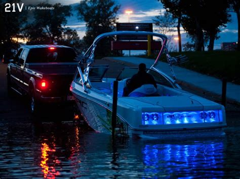 Epic Pontoon Boats by New 2014 Epic Boats 21v Ski And Wakeboard Boat Photos