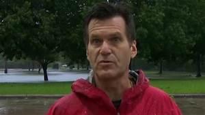 Repórter abandona transmissão ao vivo para salvar homem em ...