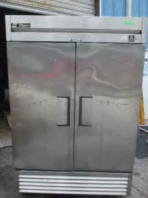true ts  stainless steel  door reach  freezer