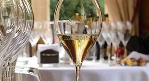 Verre A Champagne : bulles de champagne dico du vin le dictionnaire du vin ~ Teatrodelosmanantiales.com Idées de Décoration
