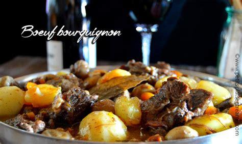 cuisiner un bourguignon boeuf bourguignon la recette traditionnelle petits