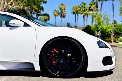 What do you do when your heart desires a bugatti veyron, but your pockets say otherwise? Pure White 2011 Bugatti Veyron Looks Like $1.6 Million Worth of Fine China - autoevolution