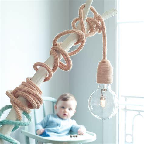 lumiere chambre bébé 8 astuces pour une ambiance sereine dans la chambre de