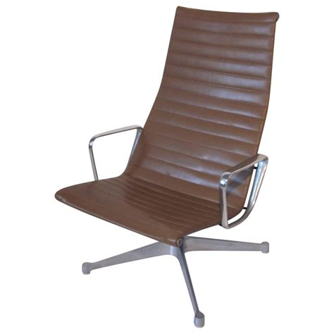 eames aluminum lounge chair for herman miller at 1stdibs