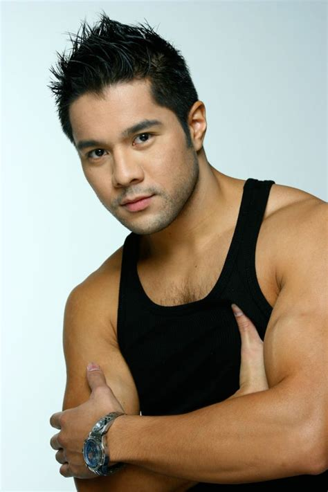 nra magazine: Victor Aliwalas - handsome Filipino actor
