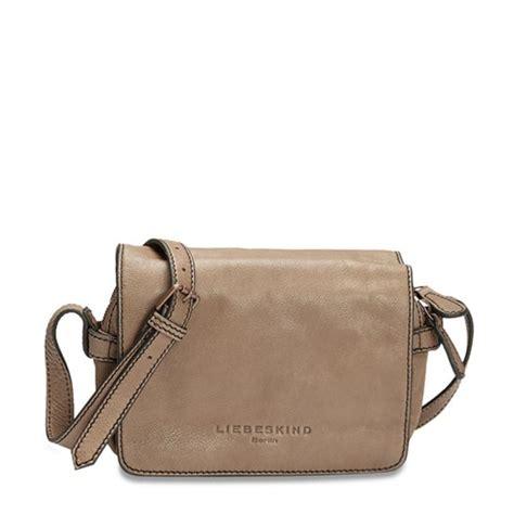 Lille praktisk taske i lækkert skind fra Liebeskind #liebeskind #superlove   Tasker