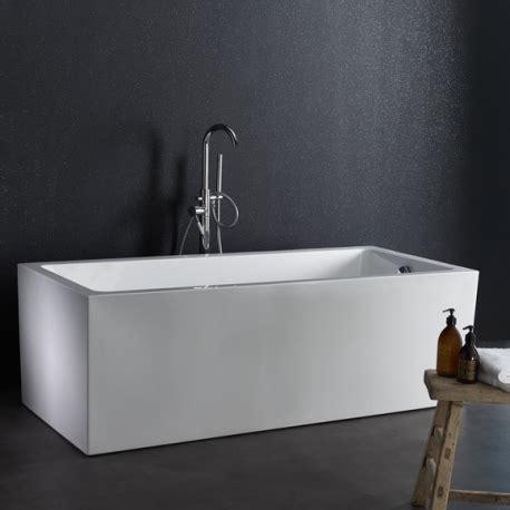 si鑒e baignoire salle de bain mansardée aménagement pièce d 39 eau sous combles