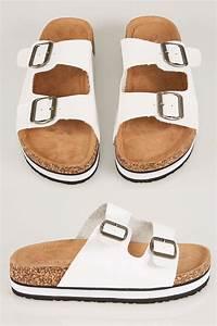 Białe sandały z dwoma paskami z korkową podeszwą EEE Fit